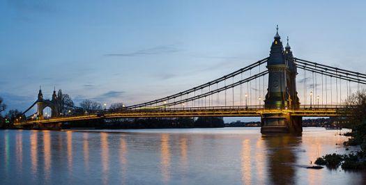 600px-Hammersmith_Bridge_1,_London,_UK_-_April_2012