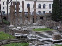 375px-Largo_di_Torre_Argentina_Temple_B_4