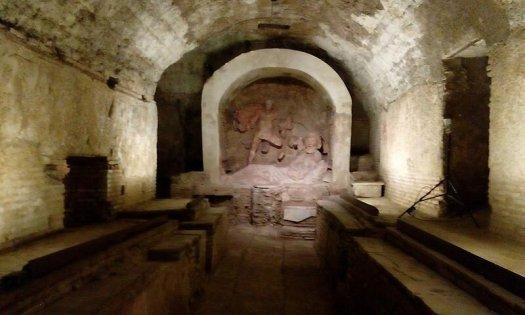 800px-santa_prisca_mithraeum201582016.jpg